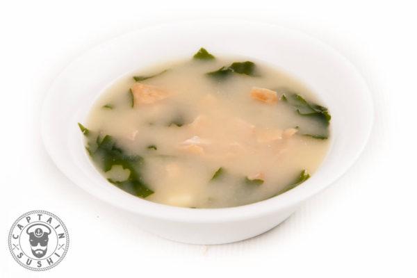 89. Miso zupa ar vistu un nūdelēm